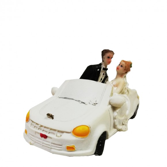 Сватбена фигурка - Брачна двойка с бяла кола